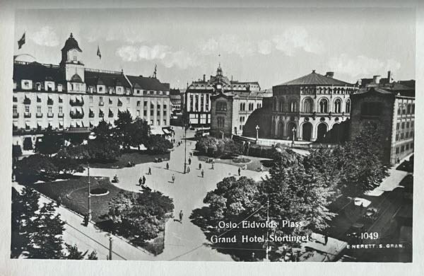 Oslo. Eidvolds Plass Grand Hotel, Stortinget.