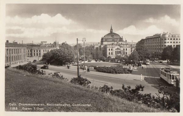 Oslo. Drammensveien. Nationalteatret. Continental.