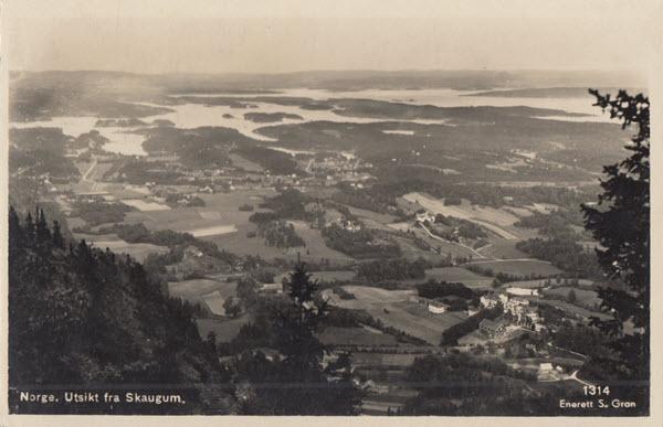 Norge. Utsikt fra Skaugum.