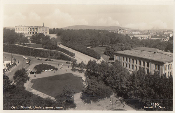 Oslo. Slottet, Undergrunnsbanen.