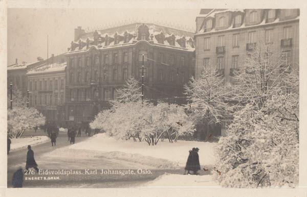 Eidsvoldsplass. Karl Johansgate. Oslo.