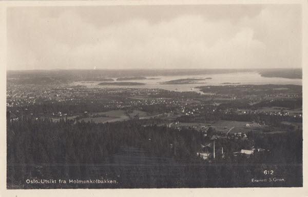 Oslo. Utsikt fra Holmenkolbakken.