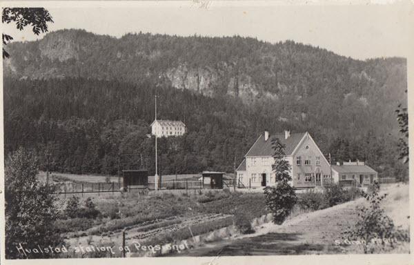 Hvalstad station og Pensionat.