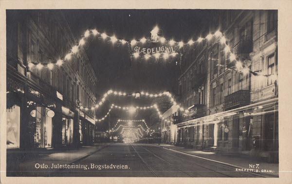 Oslo. Julestemning. Bogstadveien.