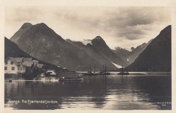 Norge. Fra Fjærlandsfjorden.