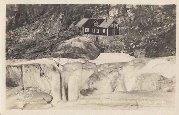 Norge. Dæmmevasshytten, Hardangerjøklen.