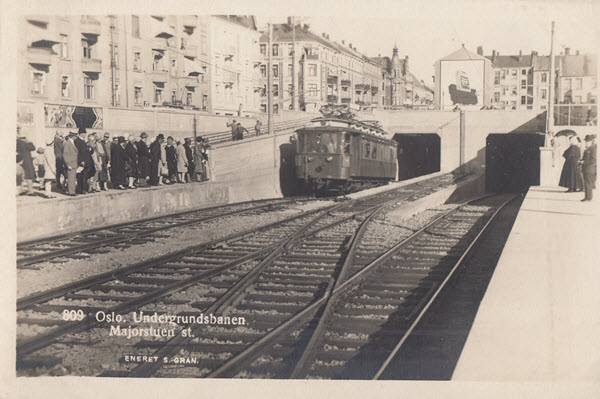 Oslo. Undergrundsbanen. Majorstuen st.