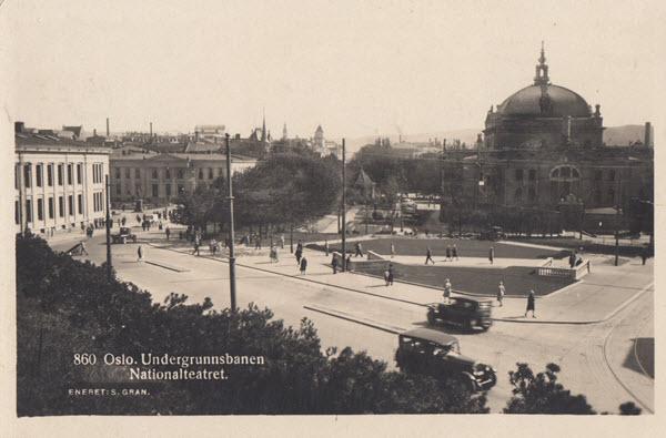 Oslo. Undergrundsbanen Nationalteateret.