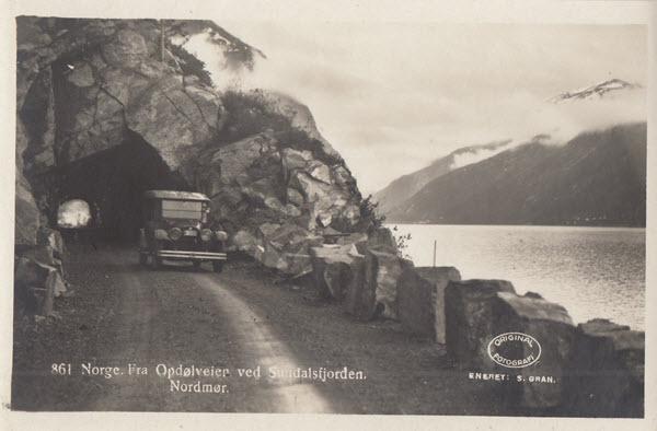 Norge. Fra Opdølveier ved Sundalsfjorden. Nordmør.