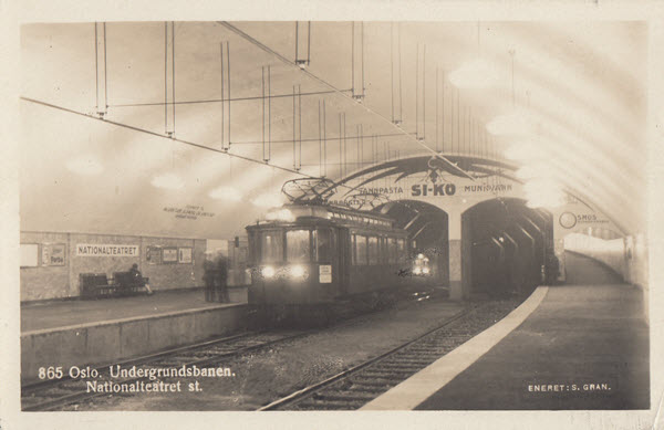 Oslo. Undergrundsbanen. Nationalteateret st.