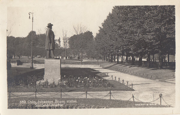 Oslo. Johannes Bruns statue. Studenterlunden
