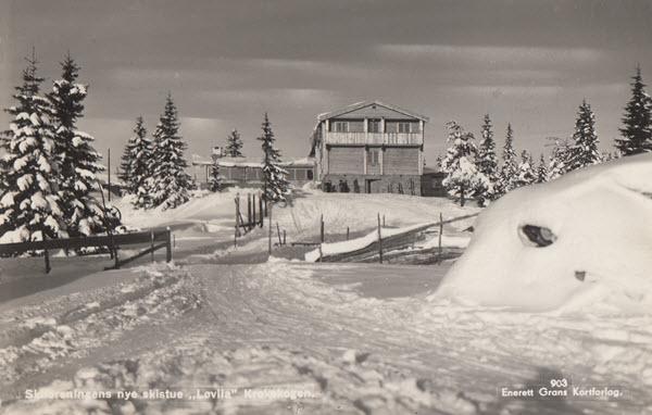 Skiforeningens nye skistue Løvlia krokskogen.