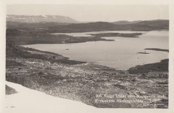 Norge. Utsikt over Krekjavatn med Krekjahytta Hardangervidda
