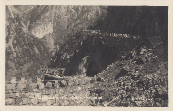Norge. Maabødalen, veien Eidfjord- Haugastøl.