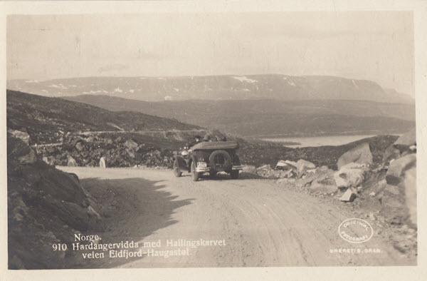 Hardangervidda med Hallingskarvet veien Eidfjord-Haugastøl.