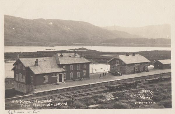 Norge. Haugastøl. Veien Haugastøl-Eidfjord.