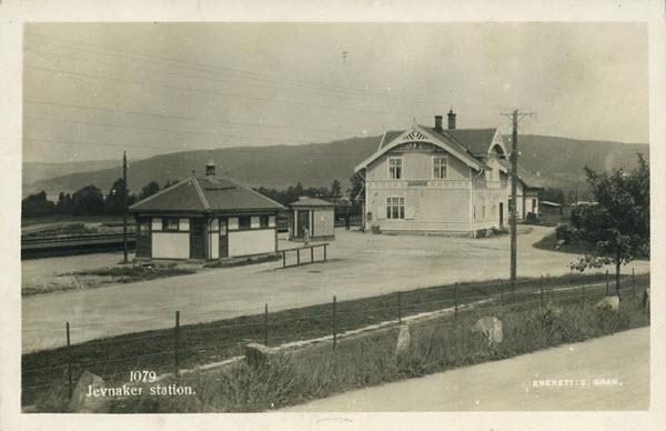 Jevnaker station.