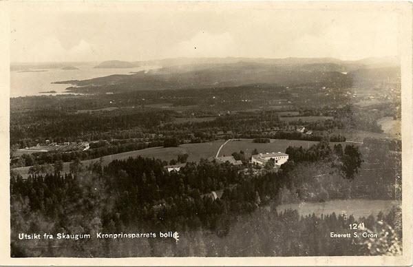 Utsikt fra Skaugum Kronprinsparrets bolig.