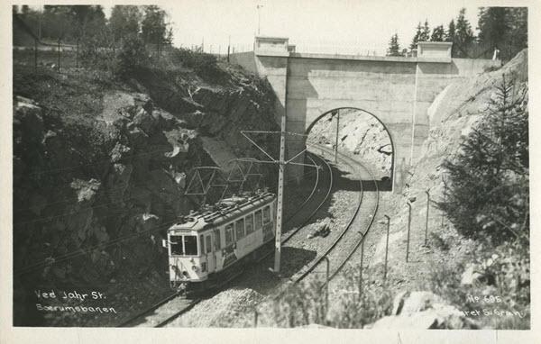 Ved Jahr St. Bærumsbanen.