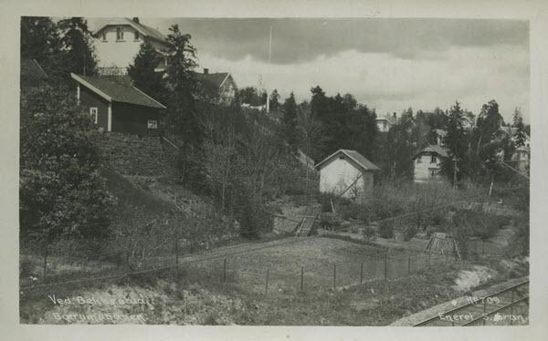 Ved Bekkestua, Bærumsbanen.